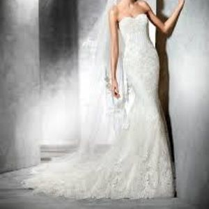 Princia Pronovias Tulle and Lace Wedding Dress